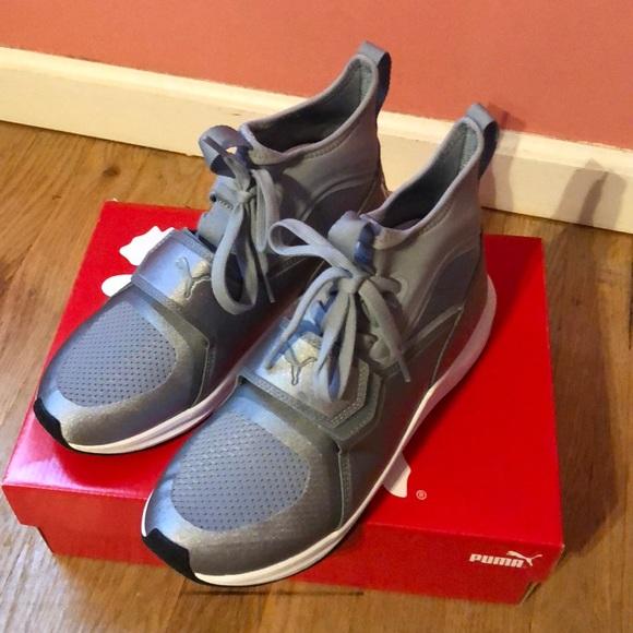 Nwt Phenom Training Sneaker Grey